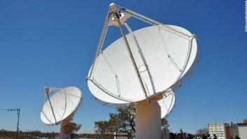 Extrañas ondas de radio que provienen del corazón de la Vía Láctea desconciertan a los científicos