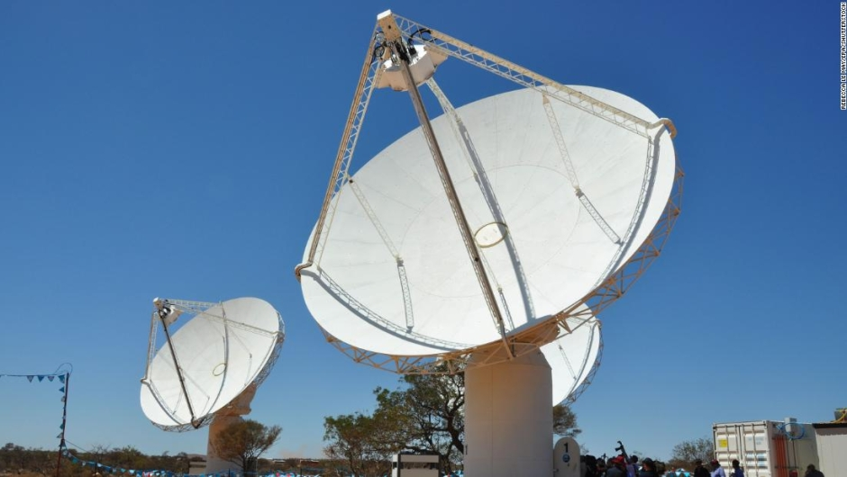 Strange radio waves coming from the heart of the Milky Way baffle scientists