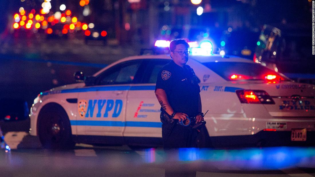 Estados Unidos registra el mayor aumento en la tasa de homicidios de su historia moderna, dicen los CDC