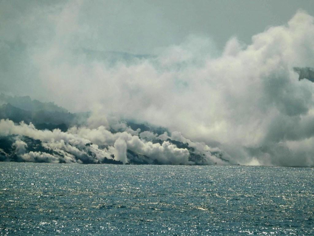 Alerta por calidad de aire cerca a volcán de La Palma