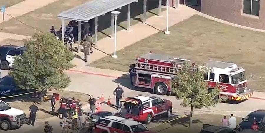 Tiroteo activo en escuela de Arlington, Texas