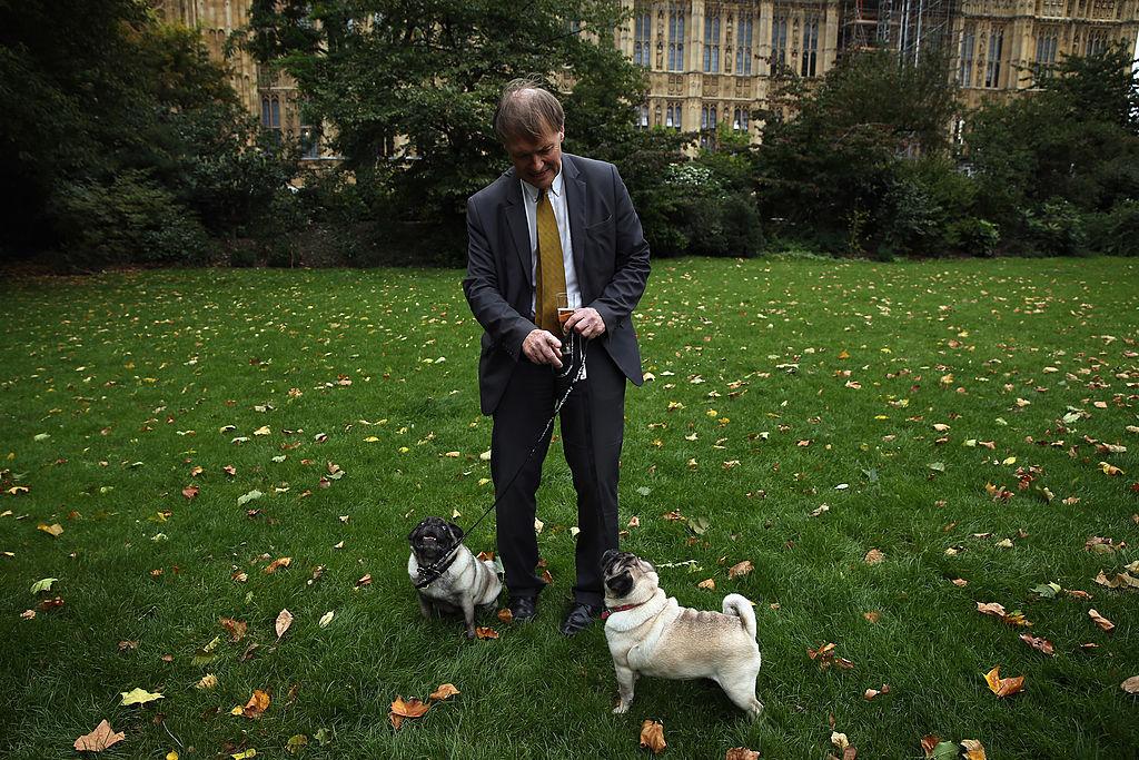 Detienen a un hombre por apuñalar a legislador británico