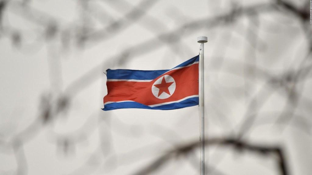 Corea del Norte dispara al menos un misil balístico y cae en el mar