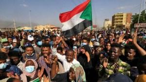 Arrestan al primer ministro de Sudán en un golpe de Estado