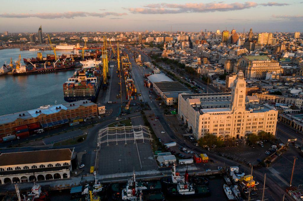uruguay-puerto-katoen-natie.jpg